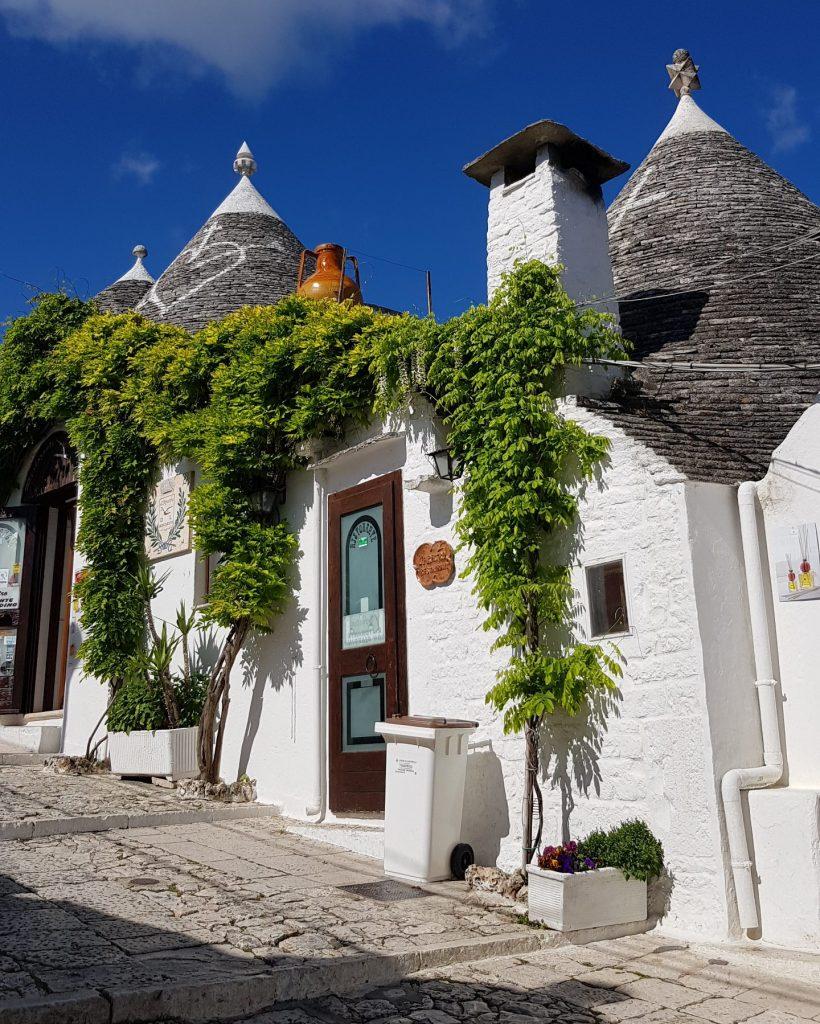 puglia tour - trulli village